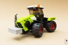 A brilliant Claas Xerion is here just in time for the start of the new growing season [Instructions]