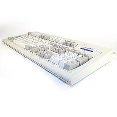 Unicomp, Inc. Classic 101 White Buckling Spring USB Classic IBM style keyboard