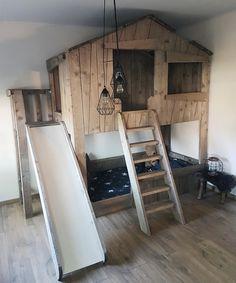 # barnrum # sovrum www. Kids Beds For Boys, House Beds For Kids, Kids Bunk Beds, Home Decor Bedroom, Kids Bedroom, Little Boy Beds, Diy Toddler Bed, Fantasy Bedroom, Bunk Bed Designs