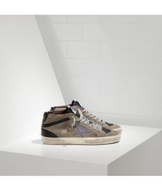 17bbac4306926b Golden Goose Mid Star Sneakers In Camoscio E Stella Glitter Womens - Golden  Goose Outlet@www.getggdb.com. Baskets ...