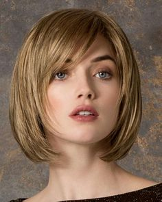 Tempo 100 Deluxe by Ellen Wille is a contemporary chin skimming bob with textured ends, a longer side bang and face-framing layers, Free Shipping in the US. Our Price: $455.45