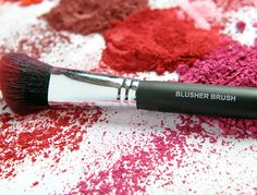 Use the right brush for the right job! The Blusher Brush defines cheekbones and is perfectly angled for precise and defined blush placement.