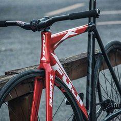 #Repost from @fixedbroz - 👌🏼 - #cycling #biking #cyclist #bike #bicycle #fixedgear #trackbike #hizokucycles  HizokuCycles.com