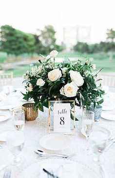 Luxe Black & White Wedding with Sparkly Details - Inspired B.- Luxe Black & White Wedding with Sparkly Details – Inspired By This Luxe Black & White Wedding with Sparkly Details – Inspired By This Wedding Table Decoration Wedding, Wedding Table Centerpieces, Centerpiece Ideas, White Flower Centerpieces, White Wedding Decorations, Greenery Centerpiece, Wedding Arrangements, Floral Arrangements, White Wedding Flowers