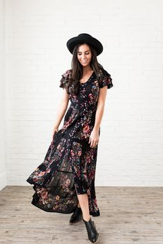 b25cd7a8a68 Black floral maxi dress - Tiered ruffle sleeves - Functioning buttons down  front - High