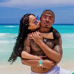 They have love, and will travel. Read where these cute couples suggest lovers go for their next baecation. Black Love Couples, Teen Couples, Cute Couples Goals, Couple Goals, Fit Couples, Couple Beach Pictures, Vacation Pictures, Beach Photos, Couple Pics