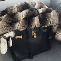When it's supposed to be spring but it's too cold to function... Take out the furrrrrr excuse!  #workworkworkworkwork #superyacht #megayachts #yachting #prada #luxurytravel #luxury #jetset #highlife #luxurylife #tmt #motivation #pink #london #dubai #follow #followme #blessed #amazing #instapic #photooftheday #lifestyle #fur #girls #fashion #hermes #thatyachtgirl #wanderlust #travel #empowering by thatyachtgirl