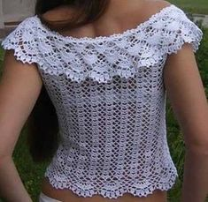 Hello crocheters, today I will share with you the free pattern of this beautiful blouse crochet. This crochet blouse is wonderful, a...