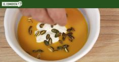 Tanto si la haces en casa como si la compras de brik, aquí tienes unas cuantas guarniciones fáciles que transformarán una soporífera crema de verduras en un platazo de alto nivel.