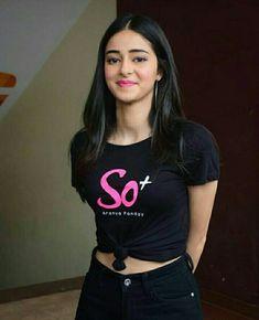 Indian Bollywood Actress, Bollywood Girls, Beautiful Bollywood Actress, Most Beautiful Indian Actress, Bollywood Stars, Bollywood Fashion, Indian Actresses, Stylish Girls Photos, Stylish Girl Pic