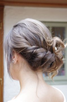 Bridesmaid Hair to the Side | Soft, romantic hair up