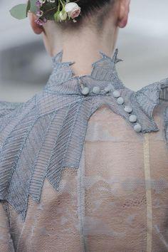 Julien Fournié Haute Couture Spring 2014 ~ via Fashion Glam WOW Zsa Zsa Bellagio Couture Details, Fashion Details, Look Fashion, High Fashion, Womens Fashion, Fashion Design, Fashion Glamour, Street Fashion, Julien Fournié