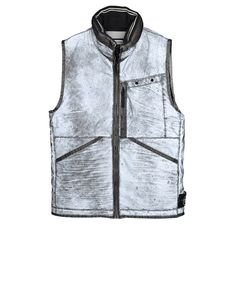 G0444_LIQUID REFLECTIVE  Vest in a highly reflective fabric thanks to a coating made of thousands of glass microspheres. The finished garment has been individually hands-prayed and then individually oven dried