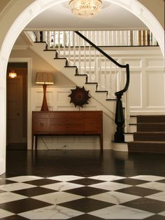 Traditional Home colonial house Design Ideas, Pictures, Remodel and Decor- love the stairs Traditional Staircase, Traditional House, Design Entrée, House Design, Design Ideas, Floor Design, Design Inspiration, Style At Home, Beautiful Interiors