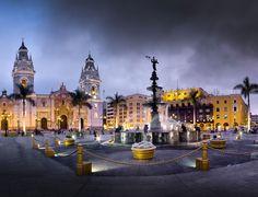Cuarenta y ocho horas en Lima permiten a un visitante no sólo empezar a descubrir las mil y un maravillas de un país de atractivo turístico mundial sino las de la propia ciudad, que, pese a lo que digan algunos, son muchas. la mayoría de ellas integradas por patrimonio monumental creado desde el…