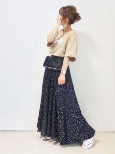 「秋まで着られる服」が狙い目♡LOCARI STOREザ・バーゲン2019の目玉アイテム - LOCARI(ロカリ) Skirts, How To Wear, Fashion, Moda, Fashion Styles, Skirt, Fashion Illustrations, Gowns