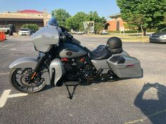 Harley Davidson Pictures, Harley Davidson Street Glide, Harley Davidson Touring, Harley Davidson Sportster, Motorcycle Shop, Motorcycle Style, Motorcycle Touring, Custom Sportster, Custom Motorcycles