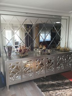Are you thinking of changing your decor see some silver inspiration from maison valentina see more at maisonvalentina net – Artofit Mirrored Furniture, Furniture Decor, Furniture Design, Suites, Elegant Homes, Dining Room Design, Design Case, Entryway Decor, Home Interior Design