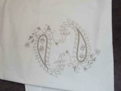 embroidery linen /taie brode