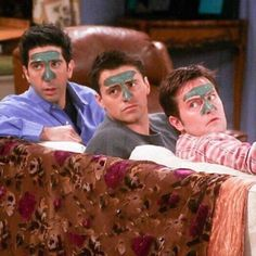 have an oily T- Zone! Real men mask Get that T- Zone under control with our Charcoal Mask to pull out impurities and get that oil under control Friends Cast, Friends Moments, Friends Series, Friends Tv Show, Best Friends, Chandler Bing, Oily T Zone, Images Vintage, Aesthetic Collage