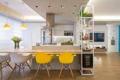 La mesa es exactamente lo que quiero hacer en mi cocina. Cocinas de estilo moderno de Semerene - Arquitetura Interior