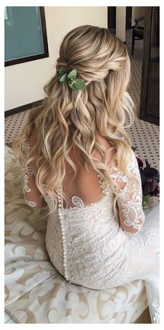 Wedding Hairstyles Half Up Half Down, Wedding Hairstyles For Long Hair, Gorgeous Hairstyles, Homecoming Hairstyles, Country Wedding Hairstyles, Bridal Hair Half Up Half Down, Bride Hairstyles Down, Half Up Wedding Hair, Long Hair Wedding Styles
