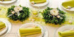 Tischdekoration zur Hochzeit in Grün