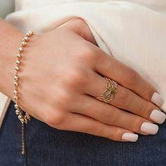 Mistura perfeita para todos os dias. #rommanel  #comprerommanel  #semijoias Jewerly, Watches, Bracelets, Gold, Instagram, Fashion, Ear Rings, Body Jewelry, Ring Necklace