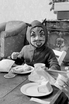 Halloween (little devil), 1953.