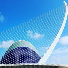 Net for the stars. #architecture #sky #blue #bridge #CACiencies #Valencia #Spain #españa Valencia, Opera House, Skyscraper, Bridge, Multi Story Building, Architecture, Instagram Posts, Travel, Arquitetura