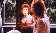 David Bowie chez lui à Haddon Hall, Londres (1972)