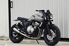 Go look at a couple of my preferred builds – distinctive scrambler hybrids like Source link Cb 450 Cafe Racer, Suzuki Cafe Racer, Custom Cafe Racer, Cafe Racer Bikes, Honda Seven Fifty, Cb 750 Seven Fifty, Cafe Racer Motorcycle, Moto Bike, Motorcycle Design