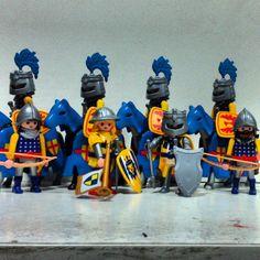 León Rampante #playmobil #playmobilfigures #playmo #playmocustom #play #clicks #medieval #edadmedia #knight #ejército #caballeria #infantería #arqueros #azul #amarillo #león #lion #rampante #rafamobil