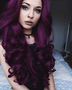 40 Stunning Purple Hair Color Ideas in 2019 - Street Style Inspiration plum hair 40 Stunning Purple Hair Color Ideas in 2019 Dark Purple Hair Dye, Deep Violet Hair, Hair Color Purple, Cool Hair Color, Short Purple Hair, Purple Hair Styles, Deep Burgundy Hair, Violet Hair Colors, Maroon Hair