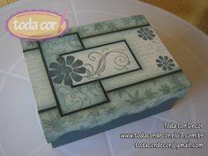Caixa em MDF pintada ao estilo decorativo. Linda peça para guardar e organizar objetos. R$38,00