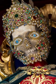 Paul Koudounaris : Unbelievable Jeweled 'Saint' Skeletons Unearthed From Catacombs