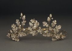Hunt & Roskell, Tiara with oak leaves and acorns, c.1855 (source).    A convertible piece, the three jeweled portions of this tiara could also be mounted on a brooch frame or tortoiseshell combs which came with the set.
