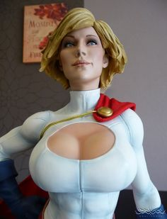 [SIDESHOW] Power Girl Exclusive Premium Format Statue Review