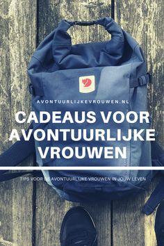 Op zoek naar een mooi en nuttig cadeau voor de avontuurlijke vrouwen in jouw leven? Check mijn tips hier! #avontuurlijkevrouwen Outdoor Gear, Dutch, Calm, Adventure, Board, Tips, Travel, Viajes, Dutch Language