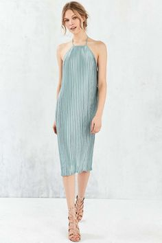 7f52234d921ed3 Shop Silence + Noise Pleated Column Midi Dress at Urban Outfitters today.