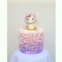 Ruffle Unicorn - Cake by astrid