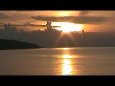 SIAPA bilang perjalanan ke kabupaten Lingga dari Batam menggunakan kapal Roro KMP Sembilang tidak mengasyikkan? Bagi kalian para traveller, perjalanan menuju ke kabupaten Lingga menggunakan kapal Roro pasti seru. Lamanya pelayaran dari Batam ke Dabo Singkep ( Lingga ) yang memakan waktu hingga 12 jam, terbayarkan dengan keindahan alam selama pelayaran. Menurut laporan Vlogger Insan […]