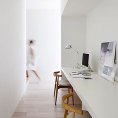 INSPIRATION: slimline, neat study nook designed by @studiofour photographed by @shannonmcgrath7 See designer profile and more projects by studio four on estliving.com