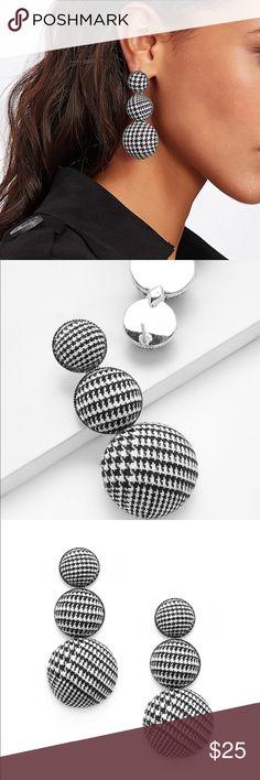 🆕🎁3tier houndstooth 1/2 ball drop earrings Item#RWLBL321120699R. Silver metal backing. Jewelry Earrings