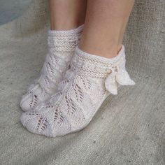 Crochet Socks, Knitted Slippers, Knit Or Crochet, Knitting Socks, Crochet Stitches, Knit Socks, Cool Socks, Awesome Socks, Mittens