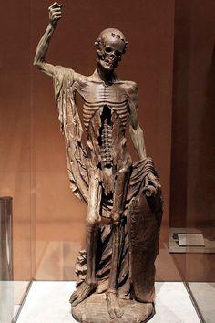 """La """"Mort Saint-Innocent""""  vers 1530 - Provenant du cimetière des Innocents à Paris ,Albâtre"""