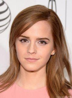 "Not so interesting, but: Emma Watson's Intentional ""Side Bo0b"""