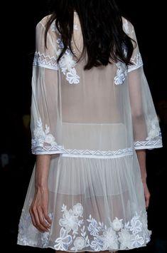 Alberta Ferretti at Milan Fashion Week Spring 2015 - Details Runway Photos