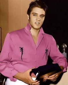 Always on My Mind - Elvis Presley Elvis Presley T Shirts, King Elvis Presley, Elvis Presley Family, Elvis And Priscilla, Elvis Presley Photos, Priscilla Presley, Lisa Marie Presley, Marilyn Monroe, Rare Elvis Photos