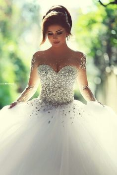 I need this in my life. Future wedding goal. Love this dress.